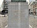 Mémorial à Gabrielle Petit - piédestal face avant.jpg