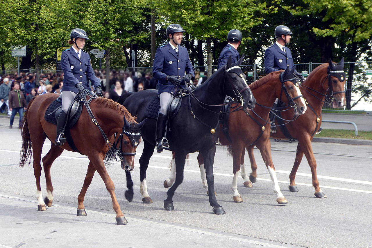 München, Oktoberfest 2018, berittene Polizei, 1.jpeg