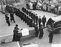 Maastricht. Uitvaart en begrafenis van stoker Braun van de Koninklijke Marine, Bestanddeelnr 904-2860.jpg