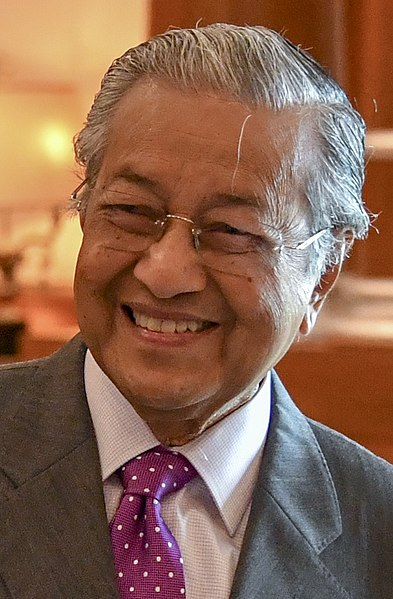 Datei:Malaysian Prime Minister Mahathir Mohamad (42910851015) (cropped).jpg