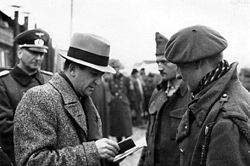 Marcel Junod, delegate of the ICRC, visiting POWs in Germany.(© Benoit Junod, Switzerland)