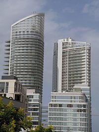 أبراج الواجهة البحريَّة (المارينا) في رأس بيروت.