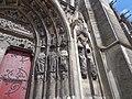 Meaux, Cathédrale, statues décapitées du portail du transept sud en 2014 (1).jpg