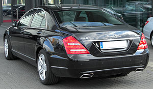 Mercedes S 400 HYBRID (W221) Facelift rear 20100410.jpg