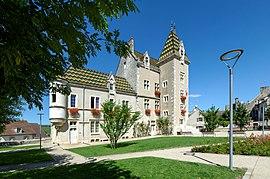 Meursault - Hôtel de ville - 004.jpg