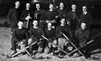 "Michigan Wolverines men's ice hockey - 1920 ""Informal Varsity Hockey Team"""