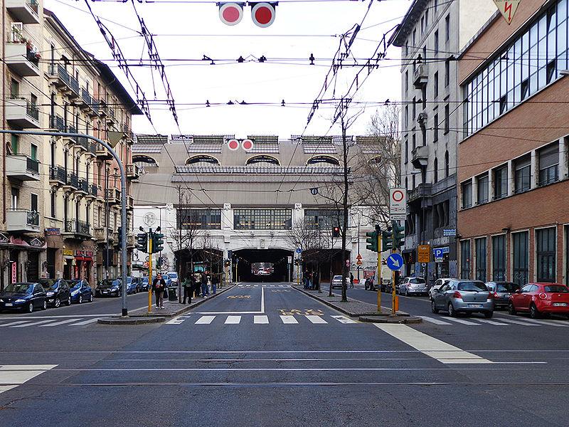 File milano via tonale jpg wikimedia commons for Via pietro mascagni 8 milano