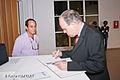 "Ministro de la cultura francés Frederic Mitterrand a la exposición ""Inselberg"" de Rafael Torres Correa..jpg"