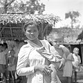 Moeder met kind - Mother and child (4600959282).jpg