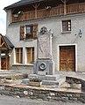 Monument aux morts d'Ilhet (Hautes-Pyrénées) 1.jpg