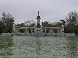 Monumento a Alfonso XII del retiro grande.jpg