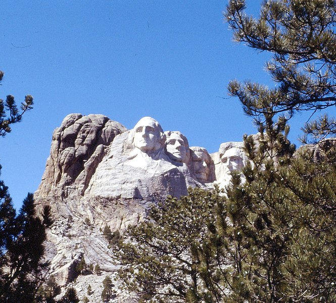 File:Mt. Rushmore, Black Hills, SD 1990 (6390458623).jpg
