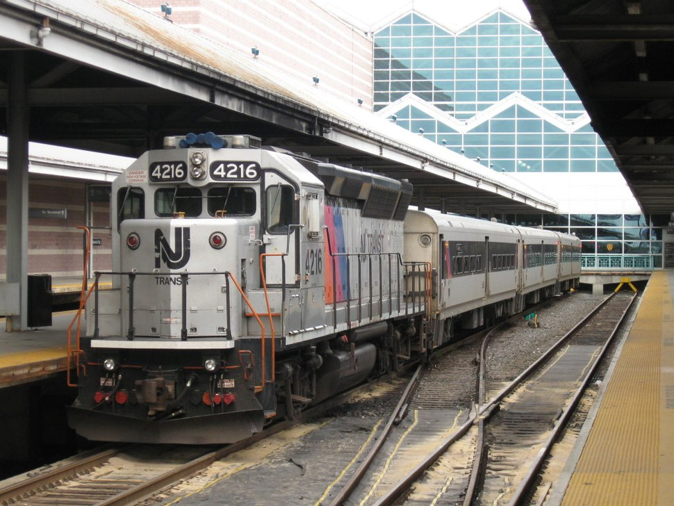 NJ Transit GP40PH-2B 4216 waits to pull Train 4622