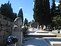 Na otoku Braču groblje.jpg