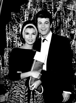 Pantomime Quiz - Nancy Sinatra and Tommy Sands on Stump the Stars (1962)