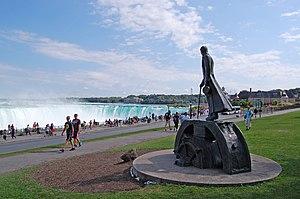 Serbian Canadians - Nikola Tesla statue in Niagara Falls