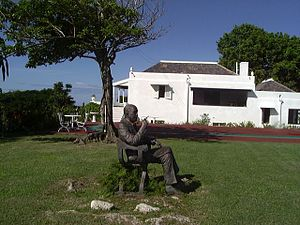 Firefly Estate - Statue of Noël Coward by Angela Conner in front of Firefly