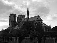 Notre Dame Noir et blanc.jpg