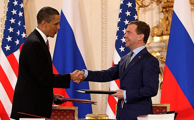 Obama and Medvedev sign Prague Treaty 2010.jpeg