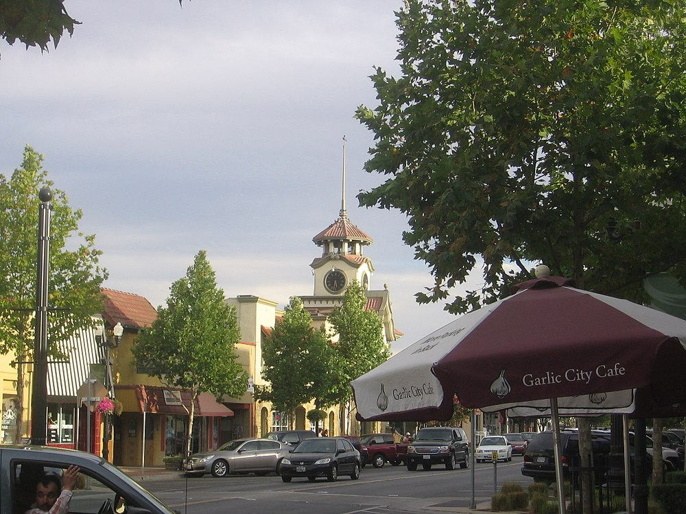 The population density of Gilroy in California is 1167.13 people per square kilometer (3022.97 / sq mi)