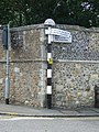 Old Finger Post - geograph.org.uk - 1431969.jpg