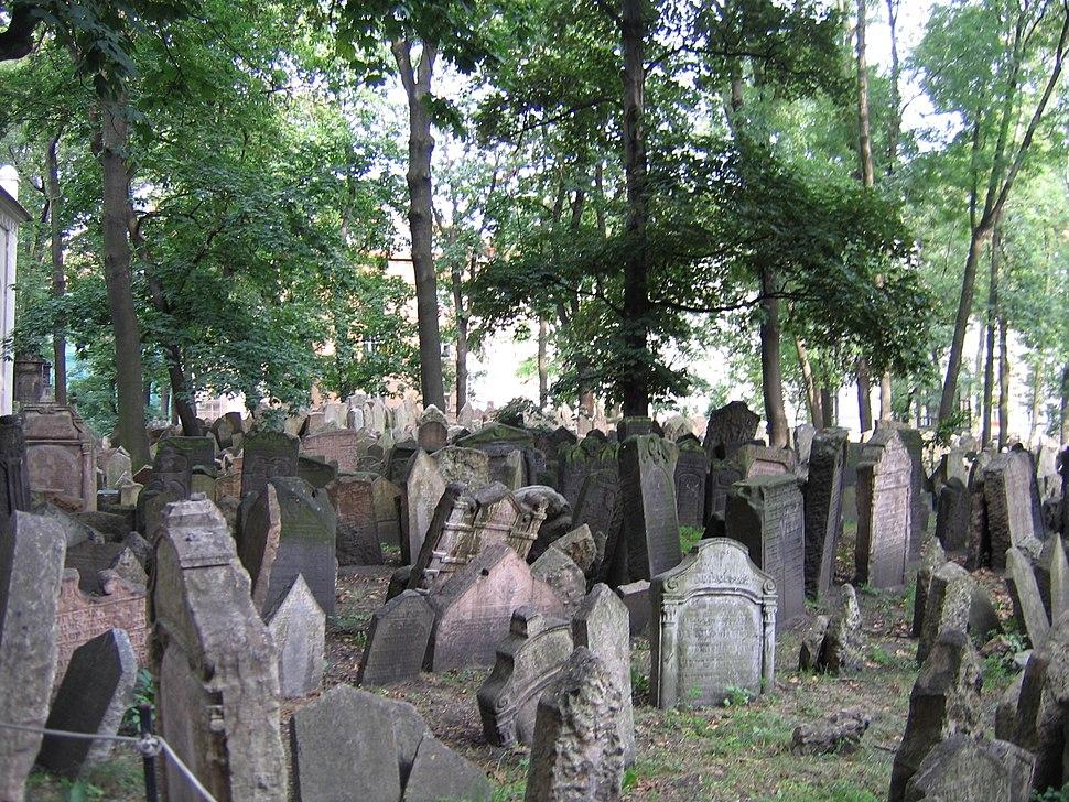 Old Jewish Cemetery, Prague 050