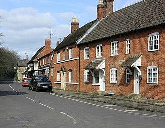 Bromham, Wiltshire - Image: Old houses on High Street, Bromham geograph.org.uk 1764930