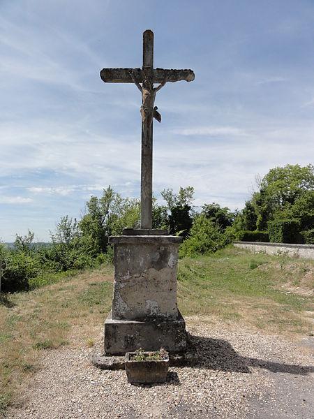 Paissy (Aisne) croix de chemin près du cimetière