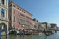 Palazzo Bembo e riva sinistra del Canal Grande Venezia.jpg