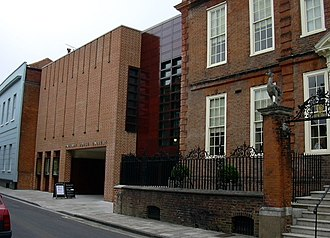 Pallant House Gallery - The gallery extension, with Pallant House on the right.