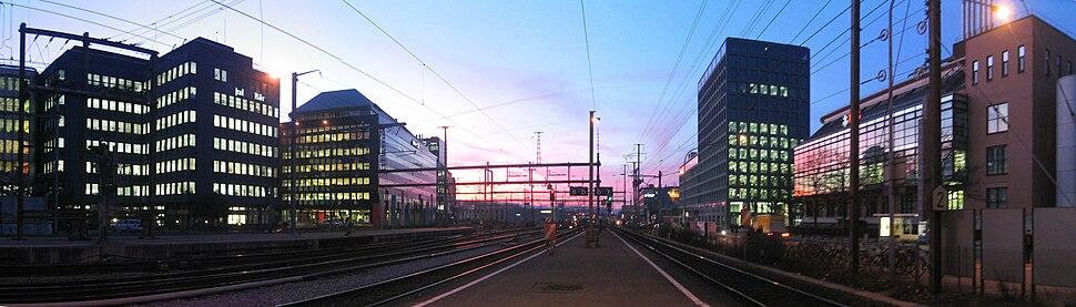 Panorama altstetten-station-sundown