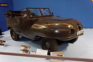 Paris - Retromobile 2012 - La Trippel type SG6 38 - 1941 - 002.jpg