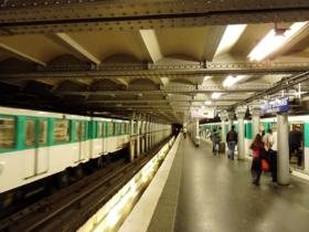 Le quai en direction de la porte de clignancourt quai de d part lorsque la station tait terminus - Arrondissement porte d orleans ...
