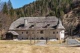 Paternion Kreuzen 32 Schloss West-Ansicht 06042018 2904.jpg