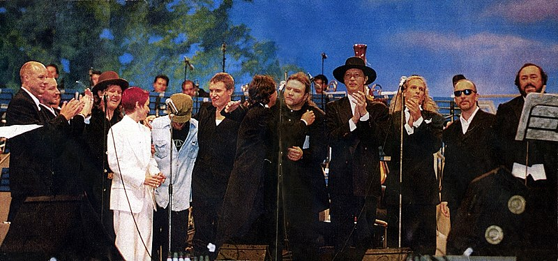 File:Pavarotti & Friends 1995.jpg
