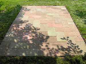 Pavement (architecture) - Concrete paver blocks in a rectangular pattern