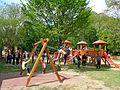 Perivoj Zrinskih - njihaljke na dječjem igralištu.jpg