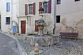 Pernes-les-Fontaines Fontaine du gigot.jpg