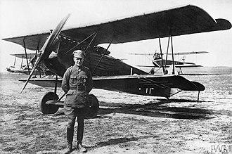 """Jagdstaffel 11 - Ernest Udet beside his Fokker DVII """"Lo"""""""