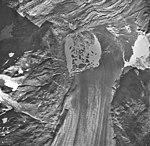Plateau Glacier, fragmented icebergs in glacial lake, September 17, 1966 (GLACIERS 5784).jpg
