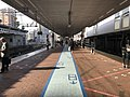 Platform of Hakata Station (local lines) 6.jpg