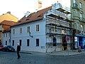 Plzeň, Františkánská ulice, rekonstrukce domu.jpg
