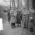 Prins Bernhard met Generaal Majoor A.T.C. Opsomer bij legeroefening op de Veluwe, Bestanddeelnr 904-4745.jpg