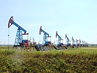Pumpjacks in Ishimbay.jpg