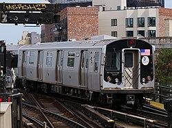 R160 M train leaving Myrtle Avenue.jpg