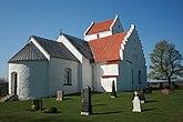 Fil:Ravlunda kyrka, Simrishamn kommun.jpg