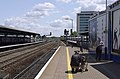 Reading railway station MMB 66 165102 458017.jpg
