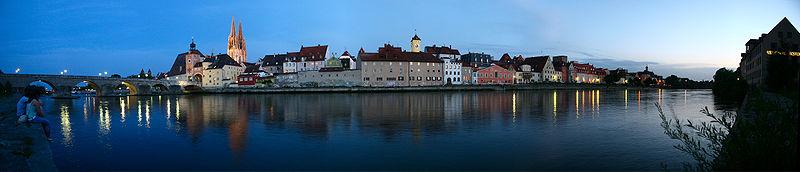 File:Regensburg Uferpanorama 2 06 2006.jpg