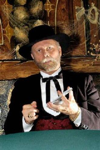 Richard Turner (magician) - Image: Richard turner card mechanic