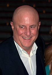 ronald perelman chairman and ceo of macandrews forbes group earned a bachelor of science in economics from wharton